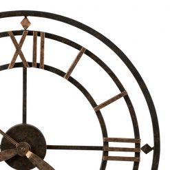 close up bronze Round Clock with roman numeric number