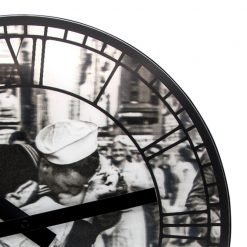 Zoomed in of Kiss me in New York NeXtime Wall Clock